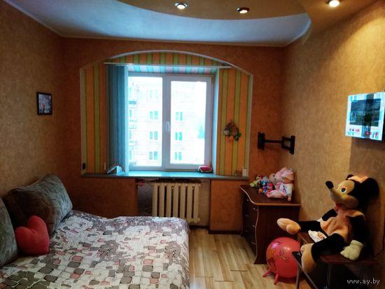 Трехкомнатная квартира в городе Заславль. Хороший ремонт.1994год.