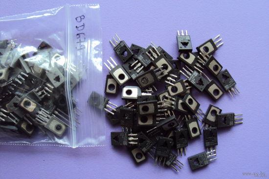 Транзистор BD679 Darlington NPN (Ucb max=80V; Uce max=80V; Ic max=4A; Pc max=40W; Ft max=1MHz; Hfe>750)
