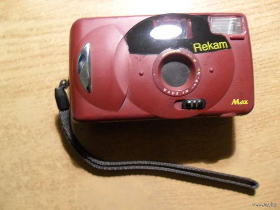 Фотоапарат Rekam в рабочем состоянии