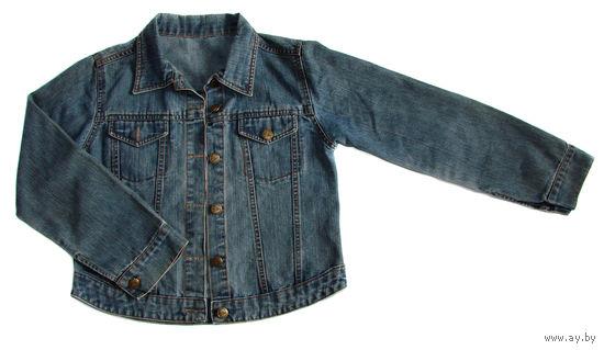 Модная джинсовая курточка на ребенка 10-12 лет, взрослый размер 42, куплена в Италии, оригинал, совсем немного б/у, в идеальном состоянии, как будто новая