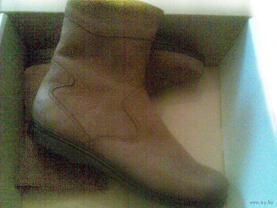 """НОВ. муж.зим.п/сапоги 42 (мал.полнота """"3"""") нат.кожа на искусст.меху. По мерке отлично идет на женск.ногу 37-38, можно как рабочую обувь."""