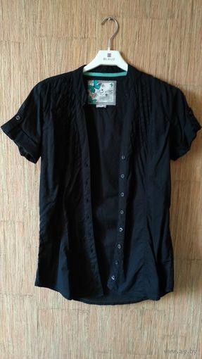 Черная женская летняя рубашка с бирюзовой полосой на воротнике
