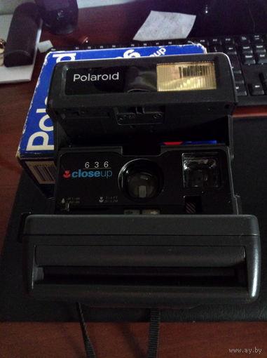 Фотоаппарат Polaroid 636 closeup, в рабочем состоянии.