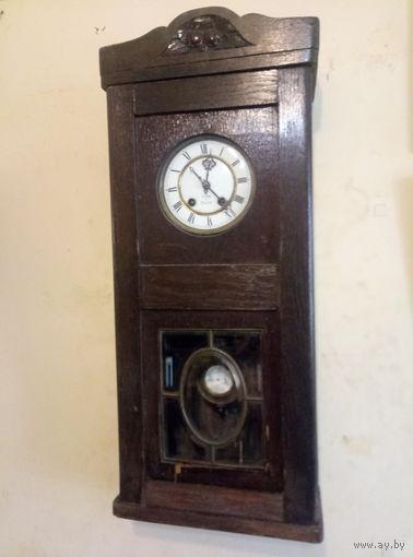 Часы настенные ,,Le Roi a Paris,,под реставрацию.Старт с 2-х рублей без м.ц.Смотрите другие лоты,много интересного.
