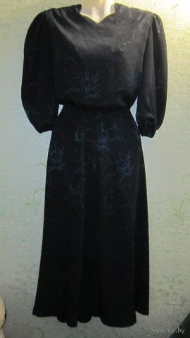 Красивое, очень женственное Платье ретро