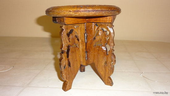 Столик - подставка для ваз,кувшинов и т.д. Индия ,дерево,ручная работа.