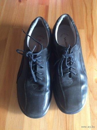 Мужские ботинки Salamander на 40 размер. Натуральная кожа, отличное качество. По стельке примерно 27 см. На осень. Удобные и стильные. Очень хорошее состояние, практически не носили.