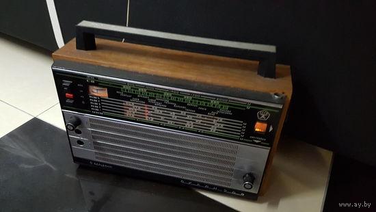 "Ретро радиоприемник ""Океан 209"""