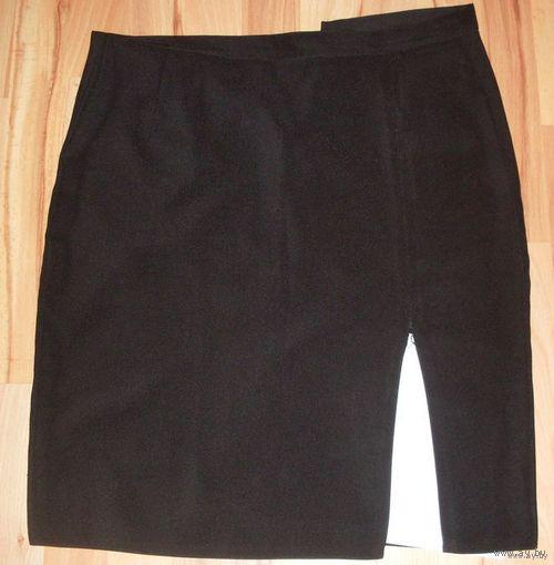 Классическая черная юбка 46 размер.