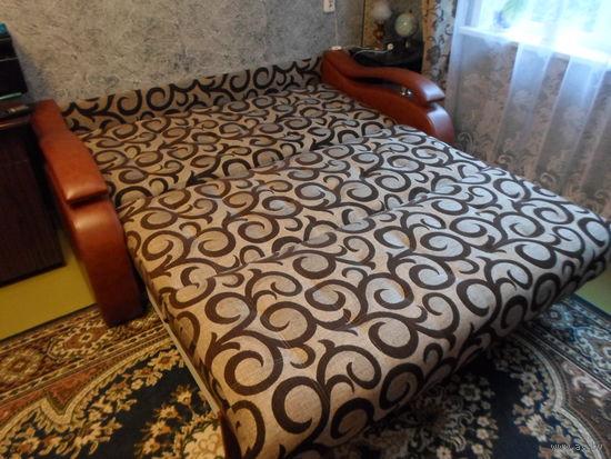 Диван-кровать Поло-Аккардион трёхместный.