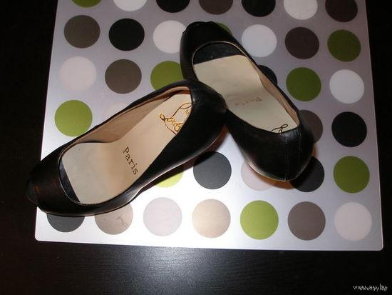 Туфли Louboutin 36 размер
