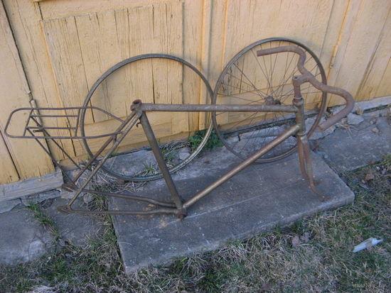 Рама старинного велосипеда