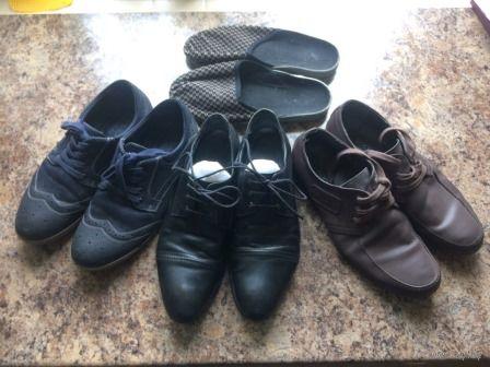 70,00 за 4 пары мужской обуви на 39-40 размер.