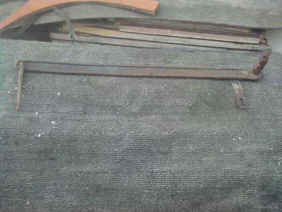 Старый завес из рельсы узкоколейки (клеймо 1904 года)