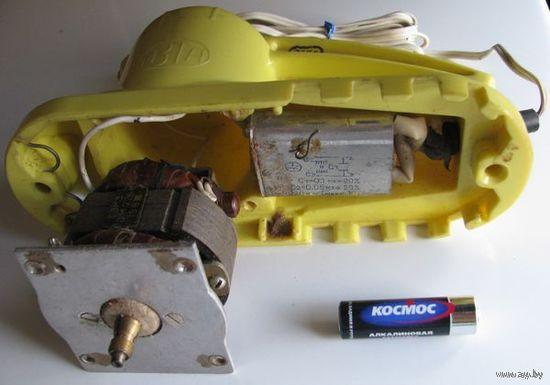Щетка пылесборник электрическая без части корпуса (с рабочим двигателем) СССР