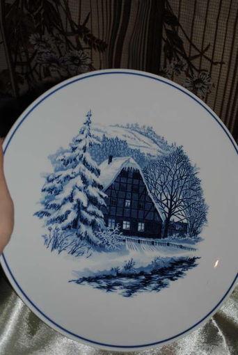 Настенная декоративная Рождественская Тарелка мануфактуры - МЕЙСЕН/Meissen  - Идеальное состояние, подходит для подарка. Диаметр 26 см.  Подглазурный рисунок, а так же наличие клейм в тесте!