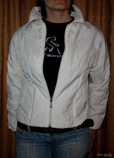 НОВАЯ белая осенняя куртка 44-46
