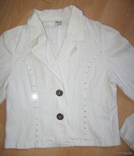 Белый пиджак 42-44 размер