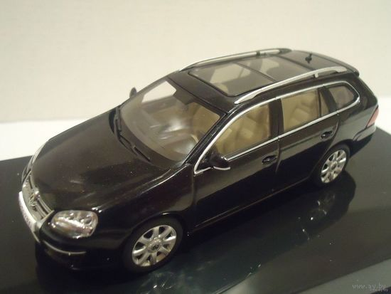 VW Golf Variant . Масштаб 1:43. AUTOART.