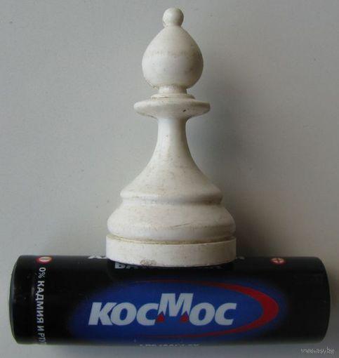 Шахматная  фигура на магните .