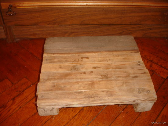 Подставка под ноги напольная деревянная