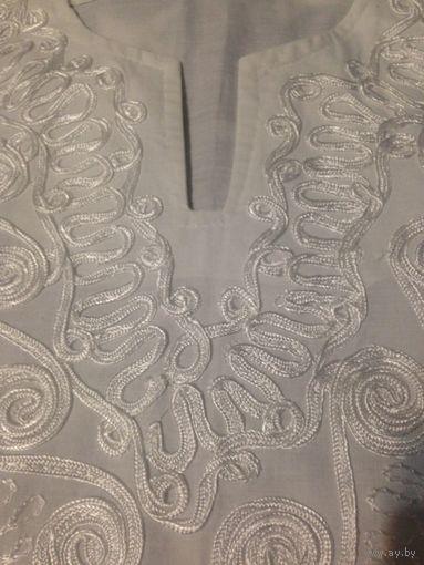Белая туника с вышивкой