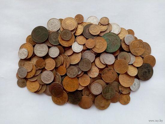 Около 250 монет СССР. Много серебра, есть нечастые. С 1 копейки!