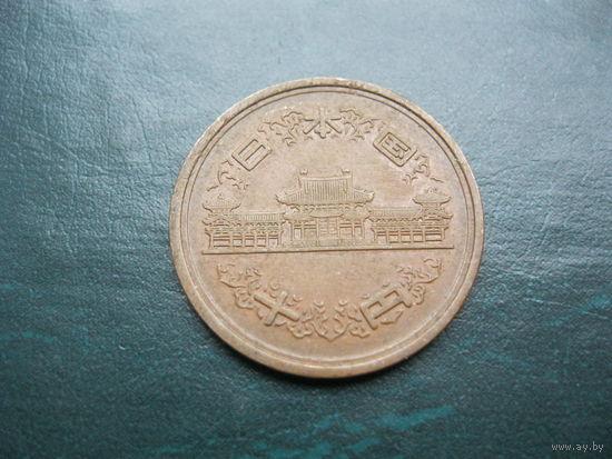 10 иен. Япония.