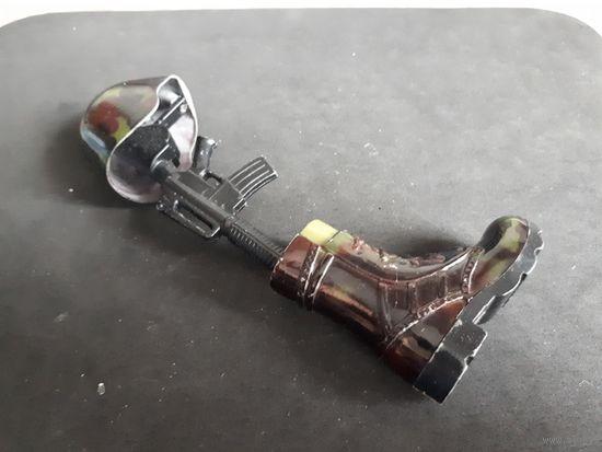 Сувенирная зажигалка в виде кирзового сапога