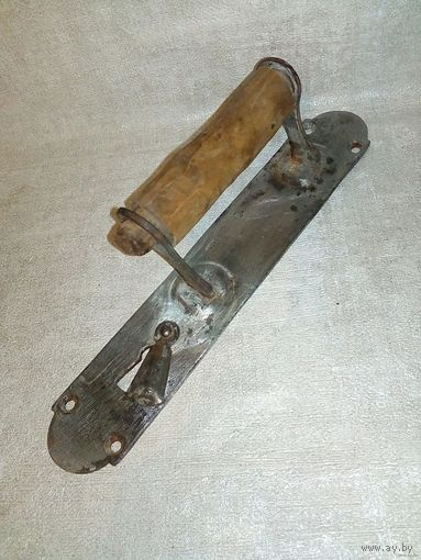 Ручка дверная со скважиной