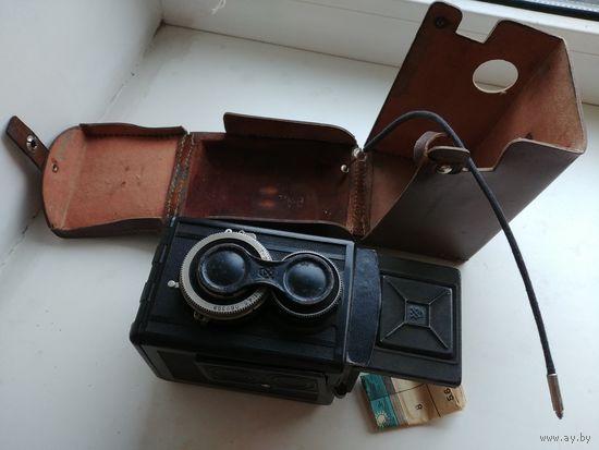 Старенький советский фотоаппарат Любитель-2, комплект, кожаный кофр, СССР ОТК46, антуражный предмет на полку!